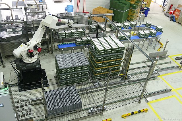 Egg Trays depalletize with an industrial robot